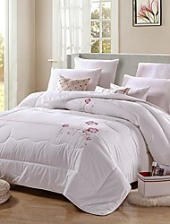 SenSleep® Silk Quilt Pure White Floral Pattern Blended Material Thickening Jacquard Quilt