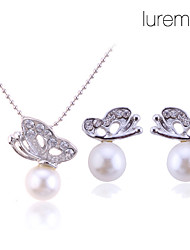Lureme women's Crystal Butterfly Pearl Necklace Earrings Set