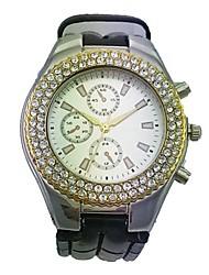Women's Alloy Case Round Dial PU Band Quartz Watch Women's Watch Fashion Watch Gift Watch