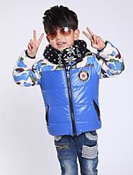 звезда значок камуфляж сплайсинга хлопка-проложенный с капюшоном теплые куртки мальчика