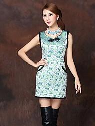 high end da mulher torceu o preenchimento de algodão vestido chinês