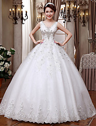 Ball Gown Wedding Dress-Floor-length V-neck Lace