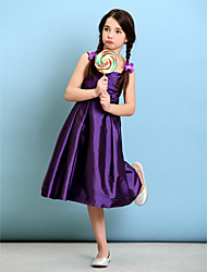 Lanting Bride® Knee-length Taffeta Junior Bridesmaid Dress A-line / Princess Spaghetti Straps with Flower(s) / Criss Cross