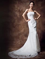 Trumpet/Mermaid Wedding Dress - White Court Train Strapless Lace