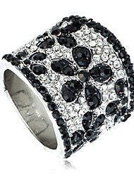 Arinna 18k White Gold Plated Onyx Flower Cocktail Party Finger Ring  Crystal J0884