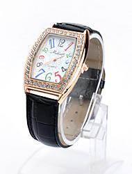 Lureme® Women's Fashion  Diamond Crocodile Long Digital Dial Quartz Wrist Watch(Assorted Colors)