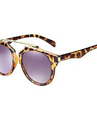 Des lunettes de soleil UV400 wayfarer de conduite 100%