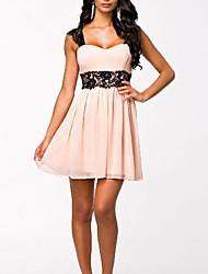 sexy Spitze und Chiffon w.i.n.k rückenfreies Kleid