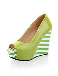 Keilabsatz - Lackleder - FRAUEN Keile/Peep Toe - Pumps / High Heels ( Grün/Weiß )