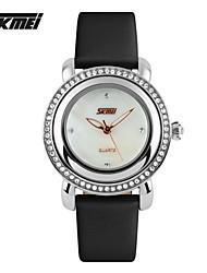 skmei бренда женщины горный хрусталь часы роскоши моды дамы одеваются кварцевые часы часовом формате женщинам Водонепроницаемые наручные