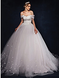 Ball Gown Wedding Dress Sweep / Brush Train Off-the-shoulder Tulle with