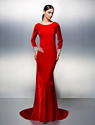 TS Couture® Formal Evening Dress Plus Size / Petite Trumpet / Mermaid Scoop Court Train Velvet with Beading / Crystal Detailing