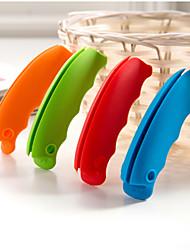 les détenteurs d'appareils d'extrait portable pratique de bonbons de couleur (couleur aléatoire)