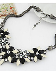 New Arrival Fashional Hot Selling Popular Exaggerated Gem Flower Necklace