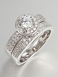 La bague en diamant d'Elva femmes