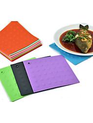 Household Silicone Heat Insulation Anti Skid Pad (Random Color)