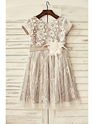 A-Line Knee Length Flower Girl Dress - Lace Short Sleeves Scoop Neck with Flower by thstylee