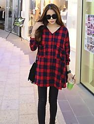Women's Geometric Red Shirt , V Neck Long Sleeve