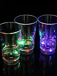 12.7 * 8 см Рождество красочный пластиковый индукции вспышки света стакана воды, чтобы пролить свет Светодиодная лампа 1шт