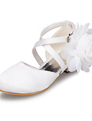 Girls' Shoes Outdoor / Casual Satin Flats Spring / Summer / Fall / Winter Round Toe Low Heel Flower Ivory