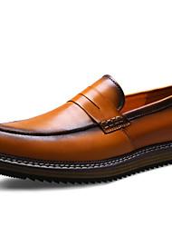 Zapatos de Hombre Mocasines Exterior / Oficina y Trabajo / Vestido / Casual / Fiesta y Noche Cuero Negro / Marrón
