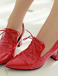 Women's Shoes Patent Leather Chunky Heel Heels / Pointed Toe Heels Office & Career / Dress / Blue / Red / White