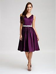 Lanting Bride® Knee-length Satin Bridesmaid Dress - A-line V-neck with Beading / Bow(s) / Buttons / Crystal Detailing / Sash / Ribbon
