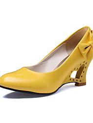 Черный / Желтый / Красный / Белый - Женская обувь - Свадьба / Для офиса / Для праздника / Для вечеринки / ужина - Дерматин - На танкетке -