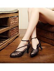 Customizable Women's Dance Shoes Latin / Dance Sneakers / Salsa / Samba Sparkling Glitter Stiletto Heel Black / Brown