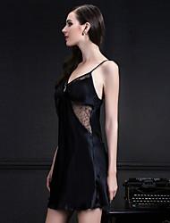 In the summer of 100% silk straps nightwear