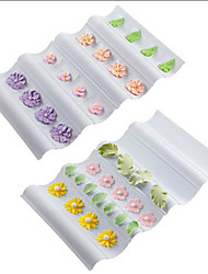 Wave-shaped Cake Decorating Plastic Pad Sugarcraft Modelling Pad Flower Mold Tool Set of 2
