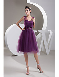 Knee-length Tulle Bridesmaid Dress A-line Straps with Beading / Flower(s)