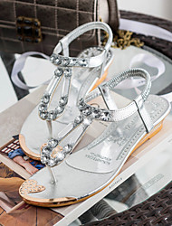Women's Shoes Leatherette Wedge Heel Wedges / Flip Flops / Round Toe Sandals Outdoor / Casual Silver / Gold