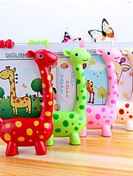 5 -6 inch Creative Giraffe Photo Table Frame Baby Gifts Kindergarten Children Lovely Desktop Presents(Random Color)