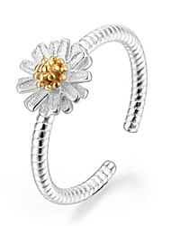 Sterling Silver Ring Flower Daisy Silver Plated Ring Adjustable Fashion Jewelry for Women Wedding Party Engagement Ring