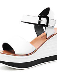 Women's Shoes Leatherette Wedge Heel Wedges / Peep Toe Sandals Party & Evening / Dress Black / White / Champagne