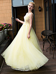 Formal Evening Dress Ball Gown Scoop Floor-length Lace / Tulle with Beading / Lace / Pearl Detailing