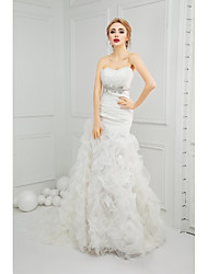 Trumpet / Mermaid Wedding Dress Court Train Sweetheart Organza with Beading