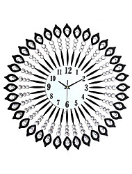 Modern Style Metal Tuba Diamond Mute Wall Clock