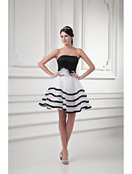 Ball Gown Strapless Short / Mini Organza Prom Dress with Bow