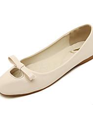 женская обувь пу весна / осень комфорт / квадратный носок квартиры случайные плоские пятки Bowknot черный / красный / миндалем