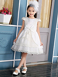 Ball Gown Knee-length Flower Girl Dress - Cotton / Satin / Polyester Short Sleeve Jewel with Bow(s) / Lace / Tiers