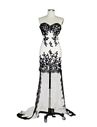 Sheath / Column Sweetheart Asymmetrical Lace Formal Evening Dress with Appliques