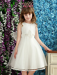 A-line Knee-length Flower Girl Dress - Tulle / Charmeuse Sleeveless Jewel with Bow(s) / Pearl Detailing / Side Draping