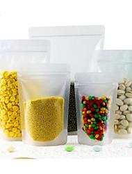 сухофрукты закуска запечатаны прозрачной упаковки пищевых продуктов мешок