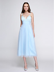 Lanting Bride®Tea-length Lace / Tulle Bridesmaid Dress - Elegant A-line Spaghetti Straps with Lace