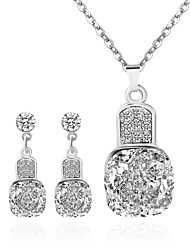 Necklace Pendant Necklaces Jewelry Wedding / Party / Daily / Casual Fashion Alloy Silver 1set Gift