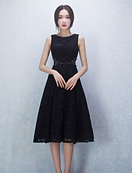 Cocktail Party Dress - Little Black Dress Ball Gown Jewel Knee-length Lace / Satin with Beading