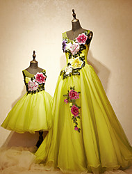 Formal Evening Dress A-line Scoop Sweep / Brush Train Tulle / Charmeuse with Beading / Flower(s) / Lace