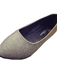 Для женщин На плокой подошве Удобная обувь Полиуретан Лето Повседневный Пайетки На плоской подошве Серебряный Золотой На плоской подошве